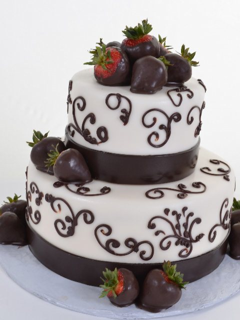 Strawberry with chocolate wedding cake
