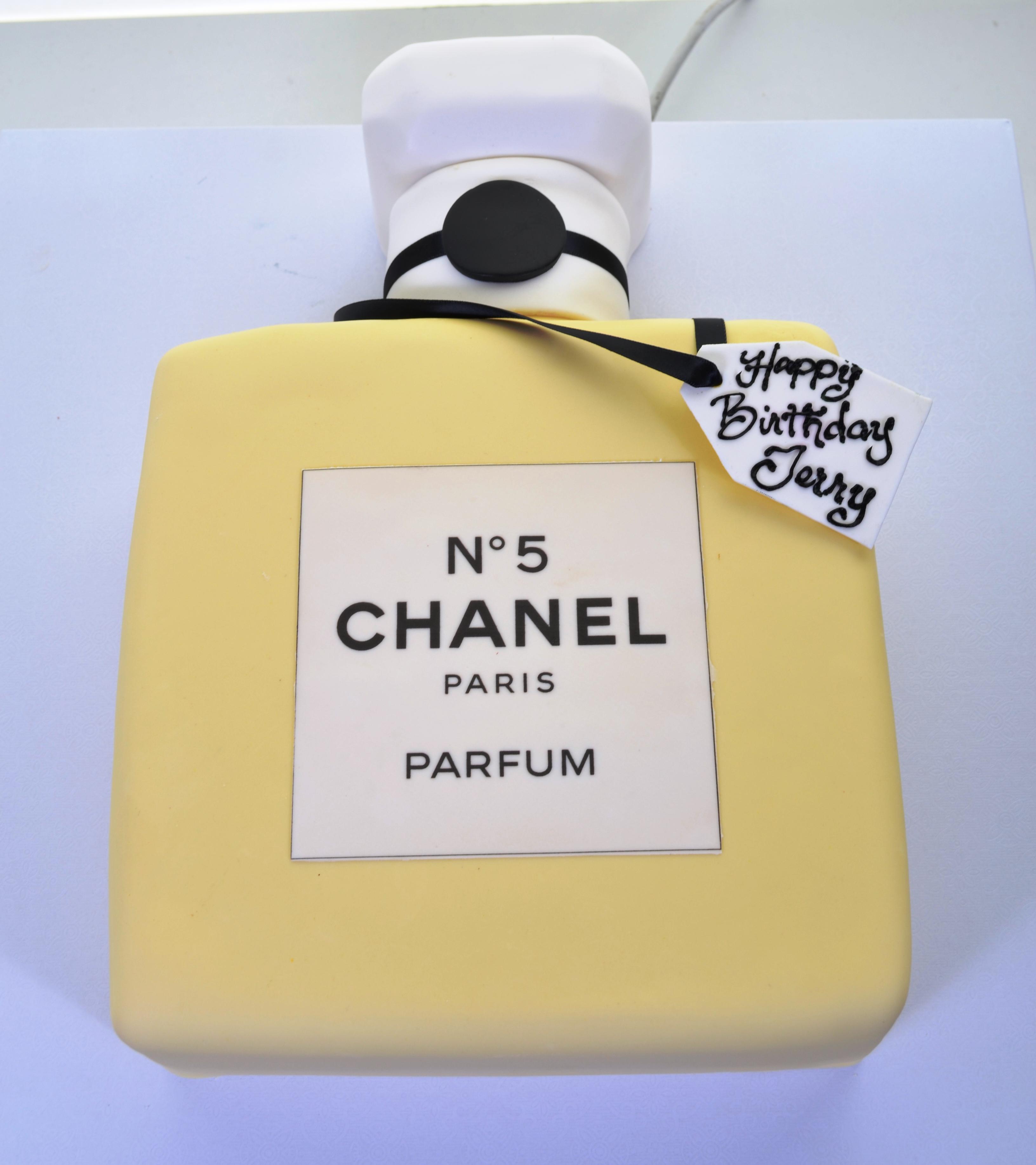 Birthday Cakes – Page 2 – Wedding Cakes   Fresh Bakery   Pastry ...