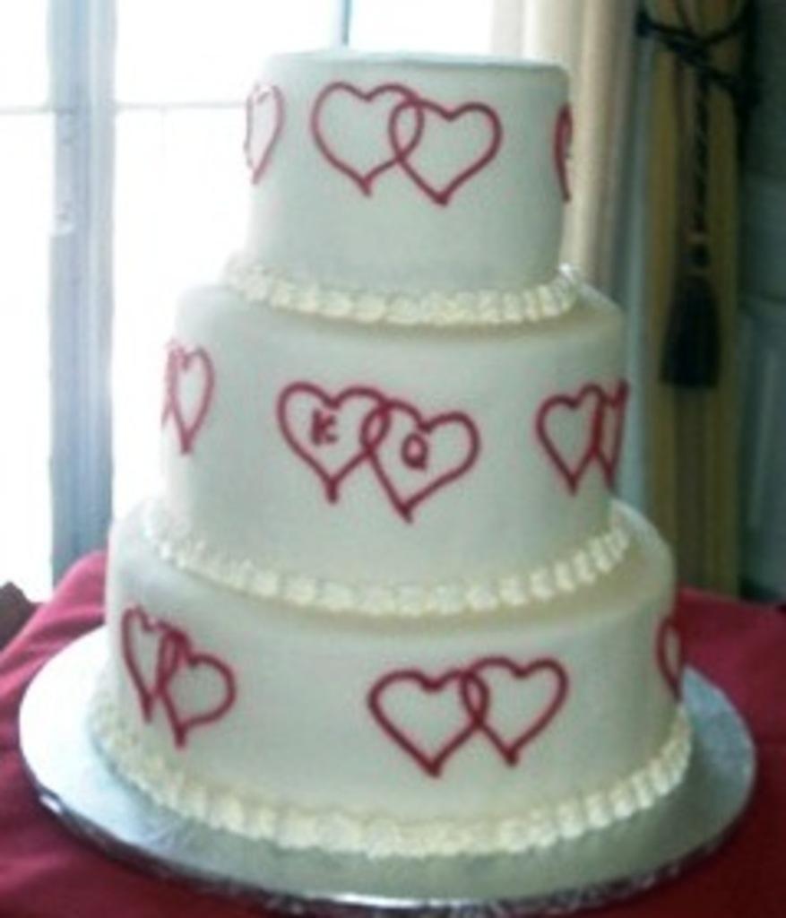 13 Drapes Amp Filigree Wedding Cakes Fresh Bakery