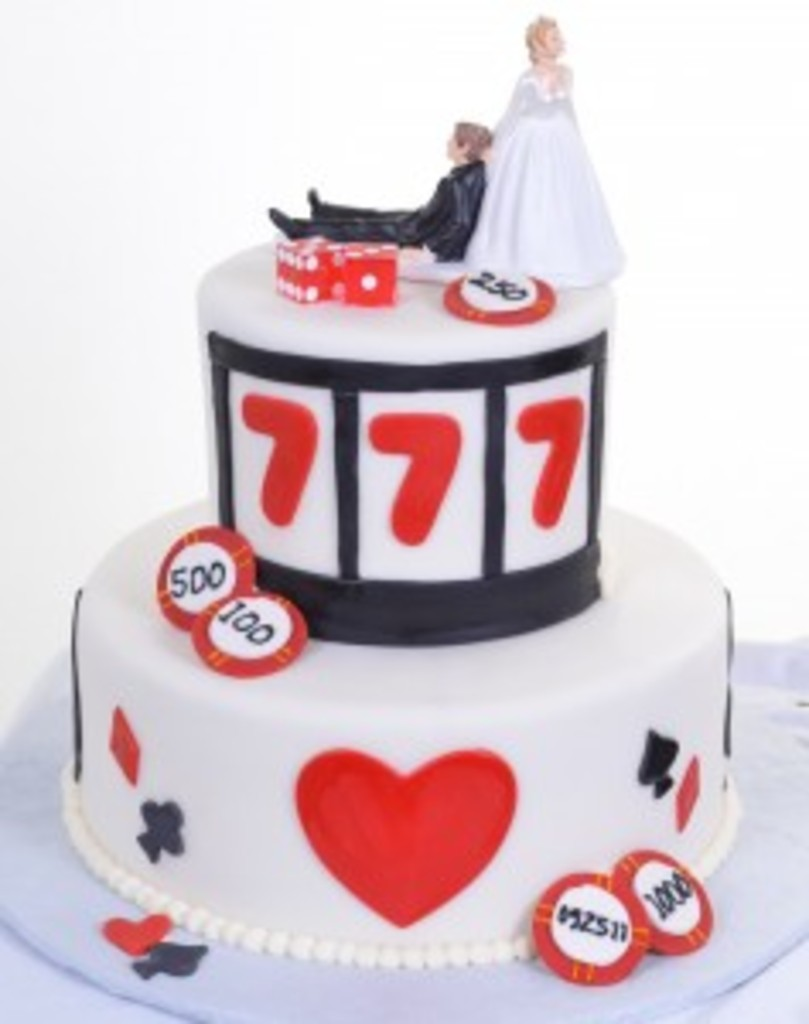 Pastry Palace Wedding Cake #25 - Vegas Love