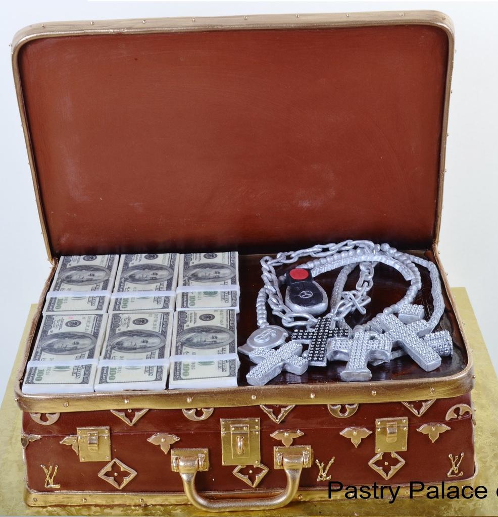 Pastry Palace Las Vegas - Cake 257 - Vuitton Case of Cash