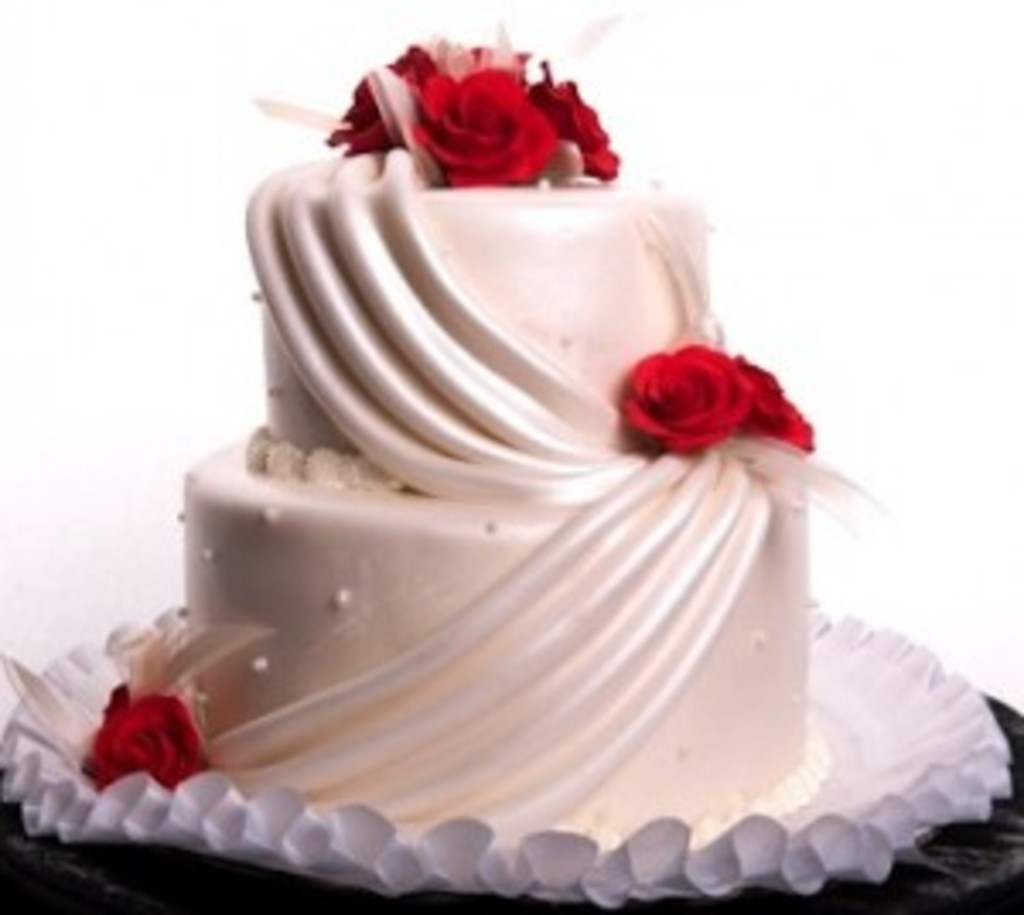 Pastry Palace Wedding Cake #37 - Swags & Drapes