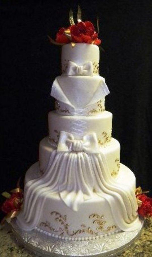Pastry Palace Wedding Cake #502