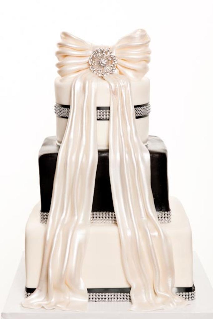 Pastry Palace Las Vegas Wedding Cake 544 - Pretty Please