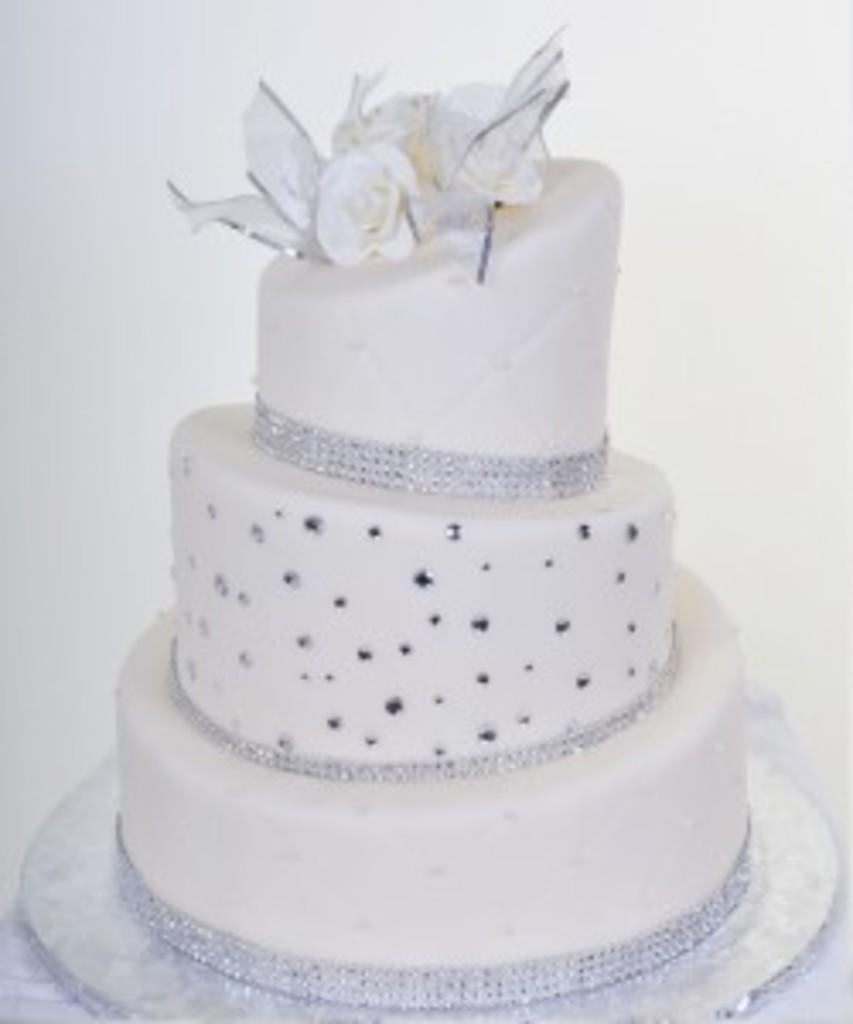 Pastry Palace Wedding Cake #555