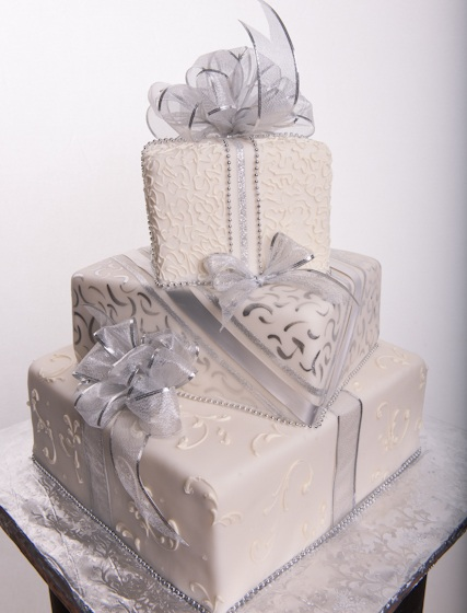 Pastry Palace Las Vegas - Wedding Cake #574 - A Gift of a Cake