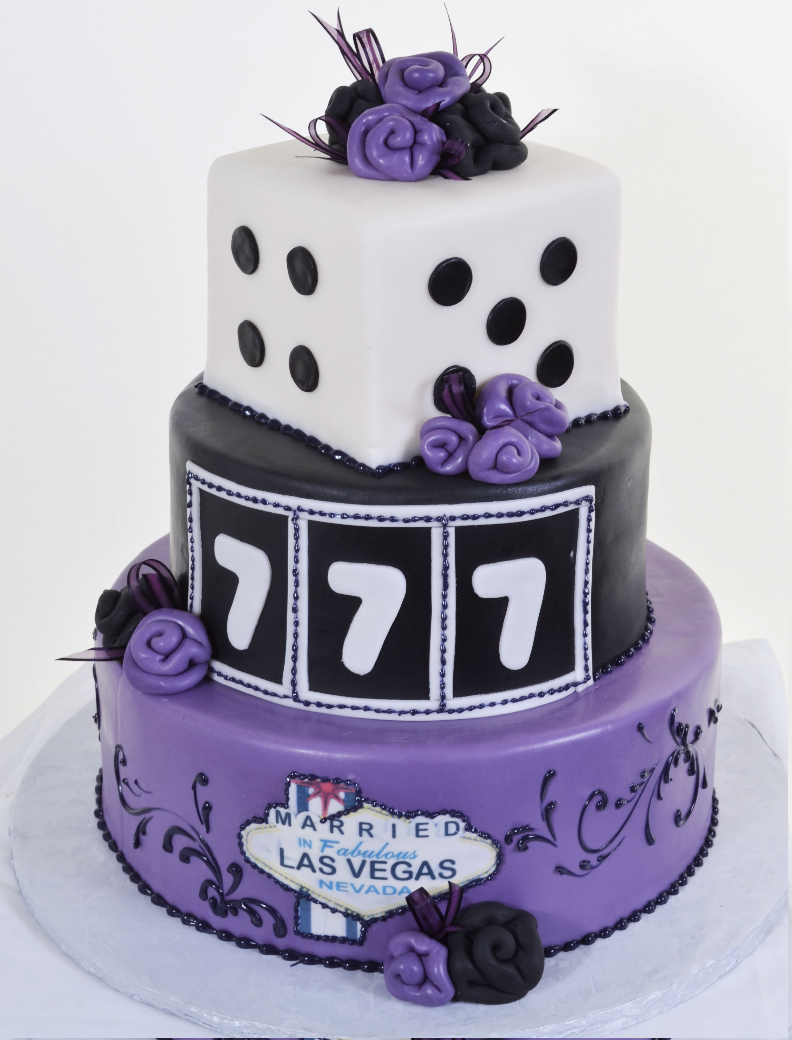 Pastry Palace Wedding Cake #592