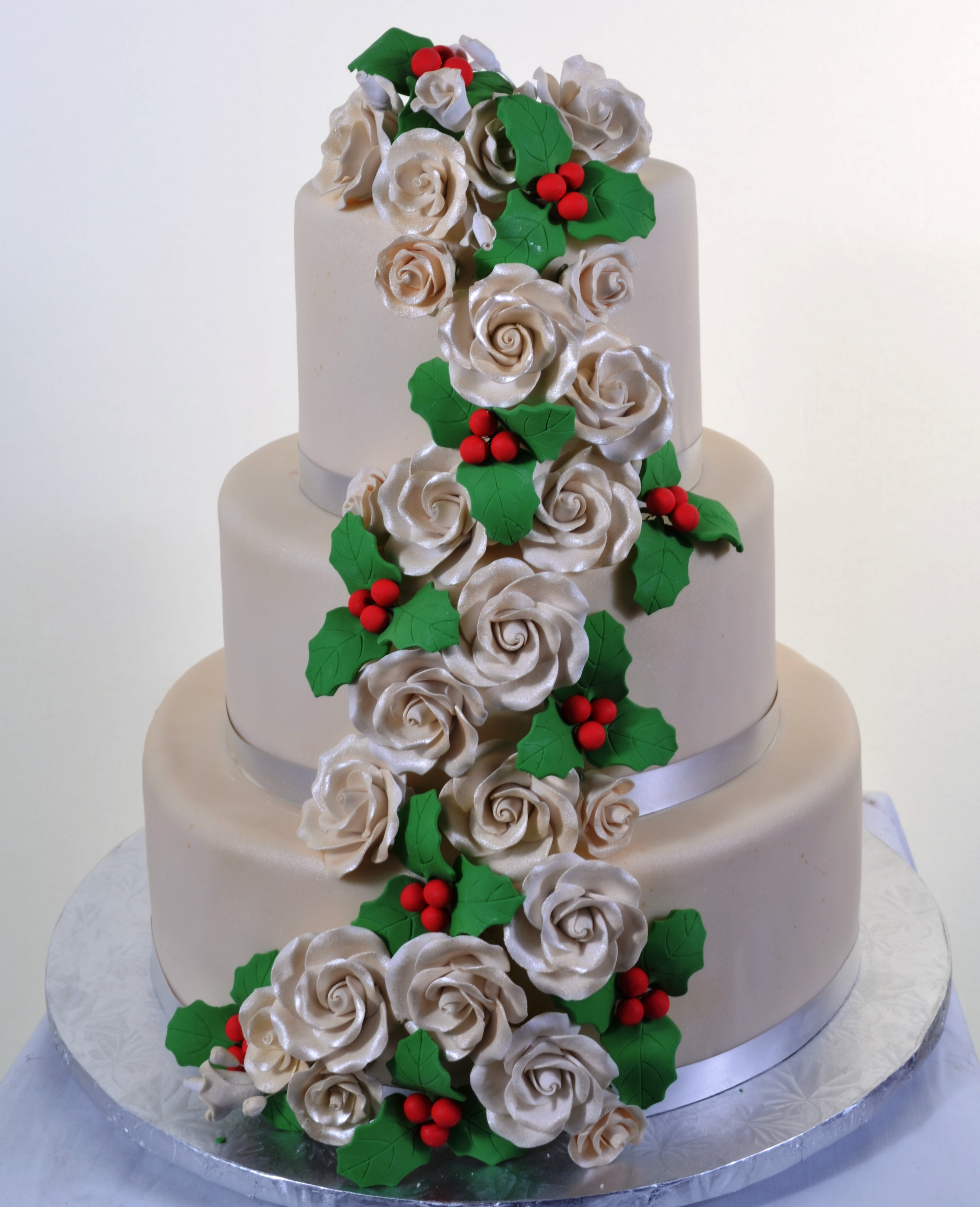 Holly & Roses Wedding Cake