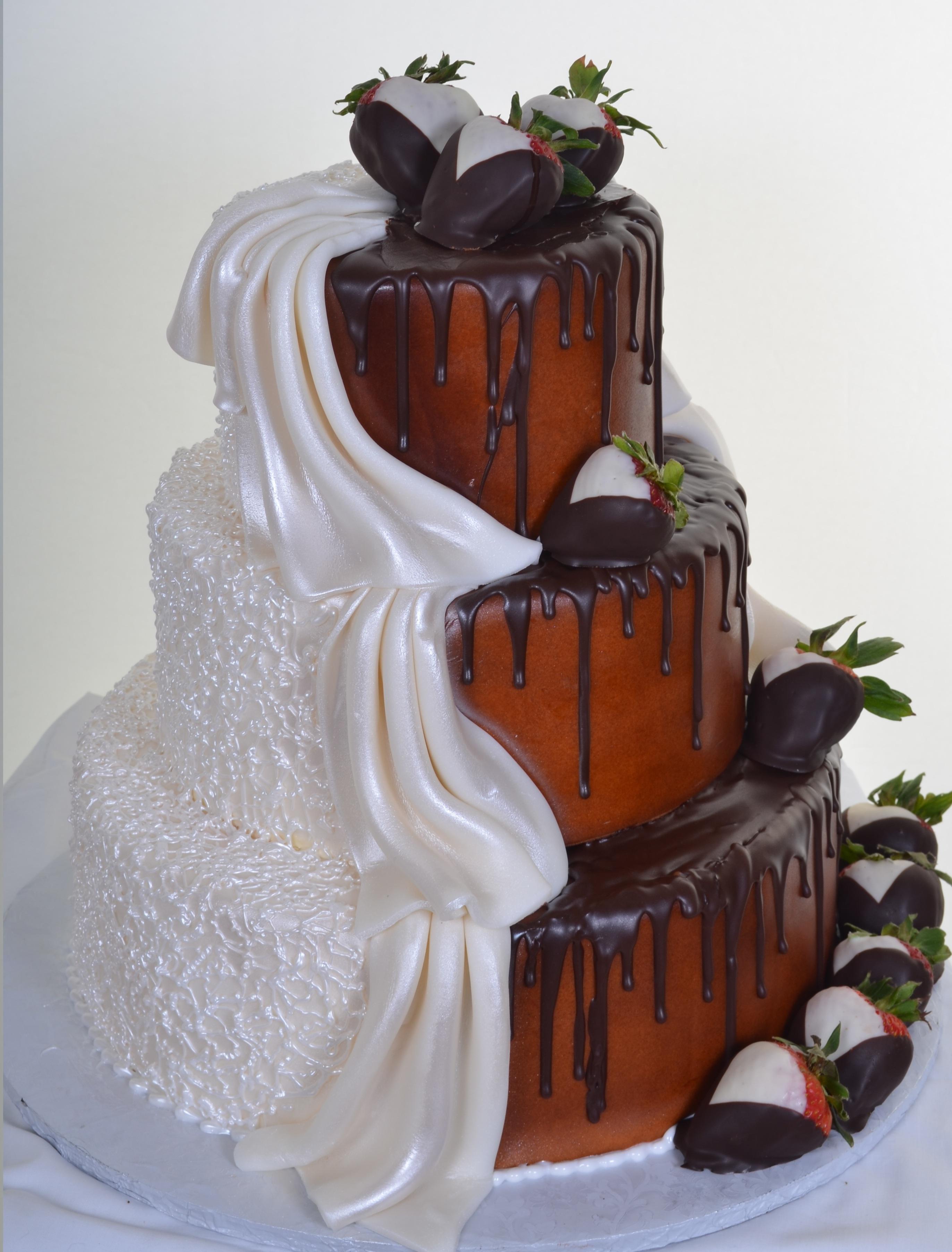 Pastry Palace Las Vegas Cake #794 - Split Personality