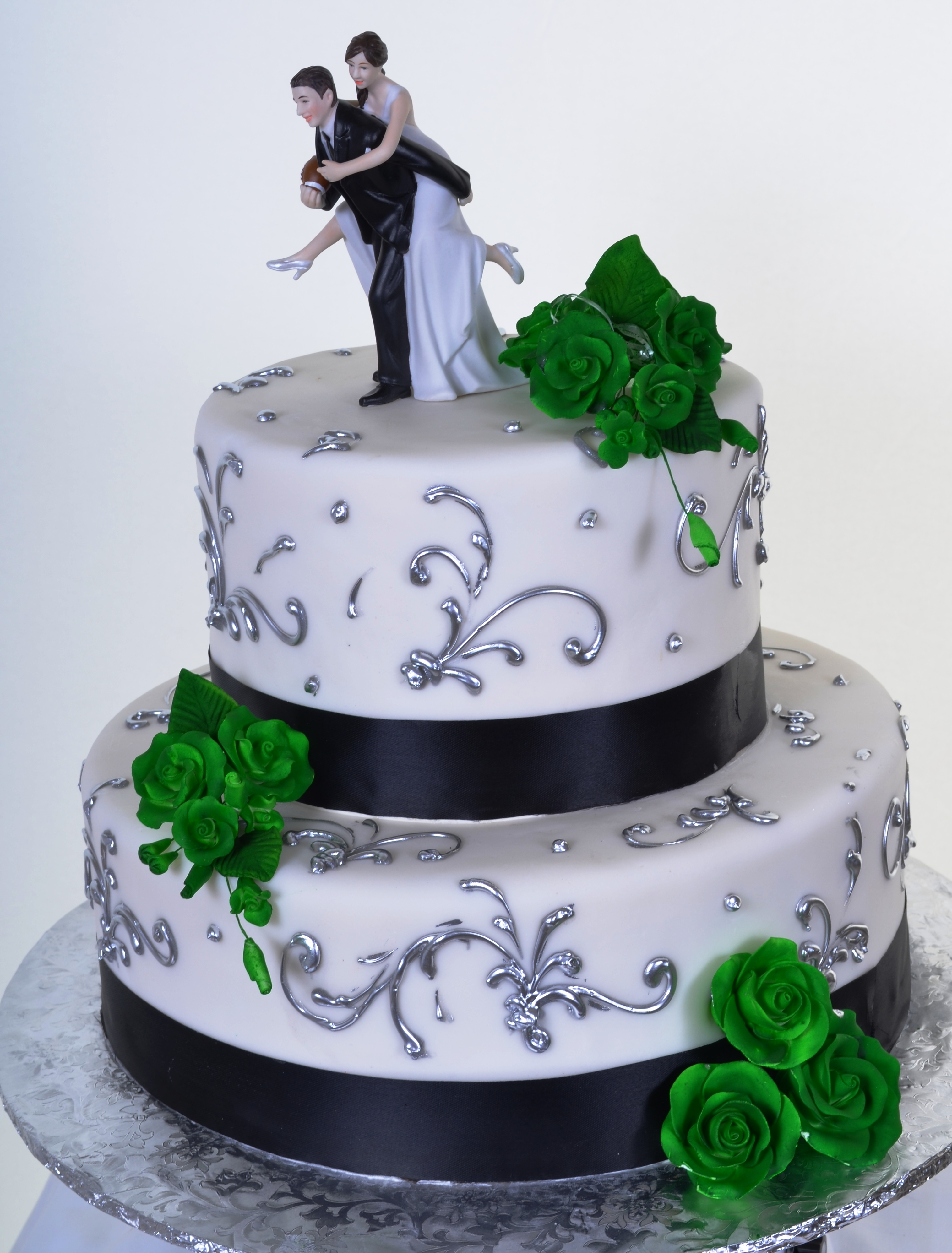Pastry Palace Las Vegas Irish Roses Wedding Cake 907 Wedding