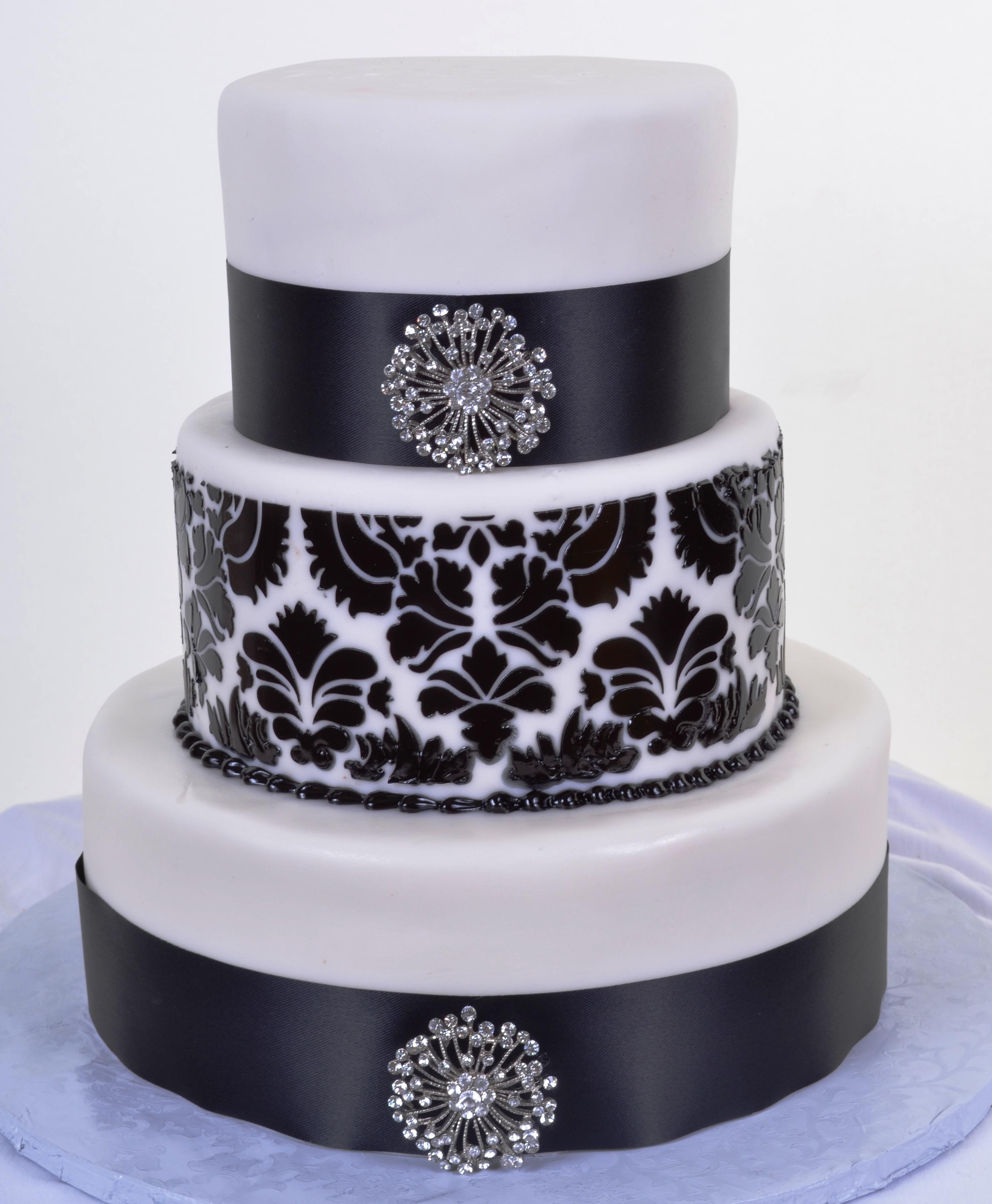 Pastry Palace Las Vegas - Wedding Cake 929 - Black and White Damask