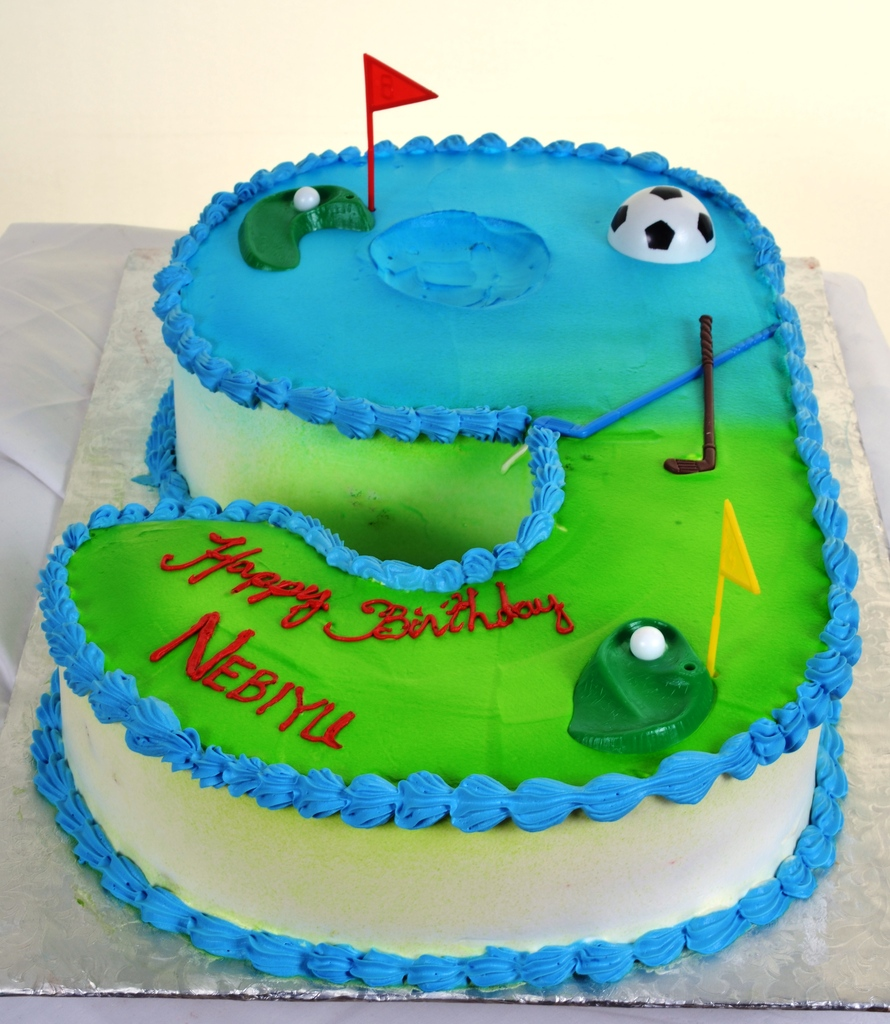 625 Golfing The Front 9 Wedding Cakes