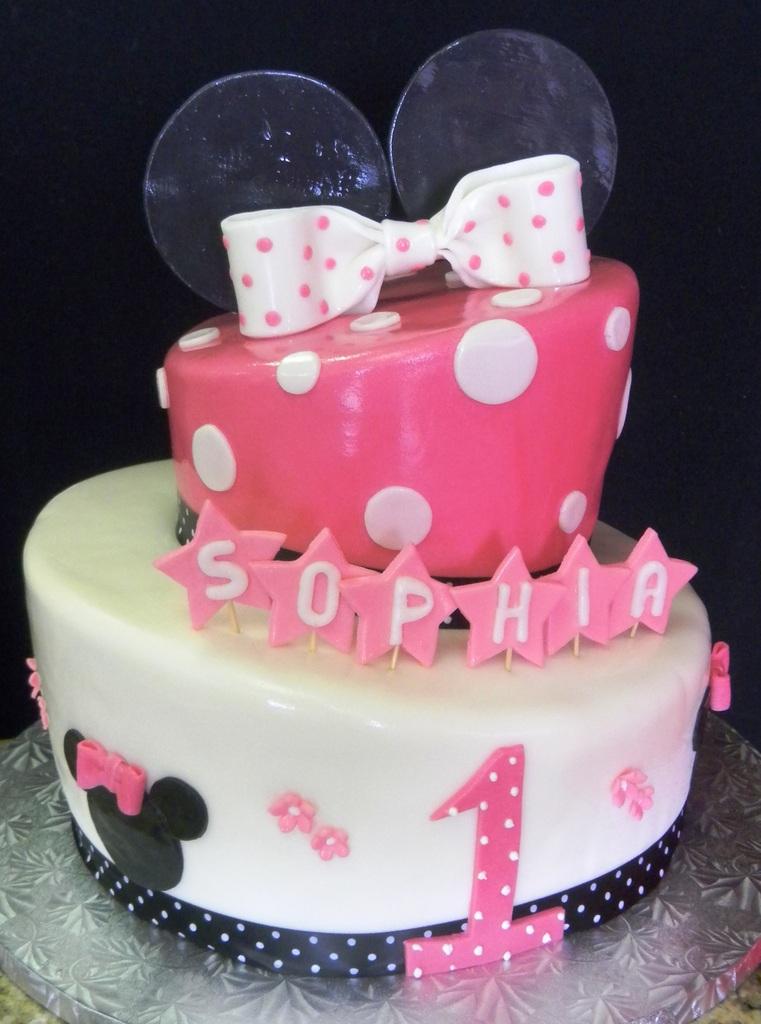 Pastry Palace Las Vegas - Cake 764 - Topsy-Turvy Minnie