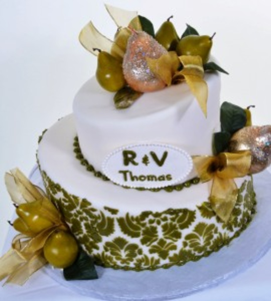 "Pastry Palace Las Vegas - Cake #597 - ""A Pear of Bows"" Pear Green and White Wedding Cake"