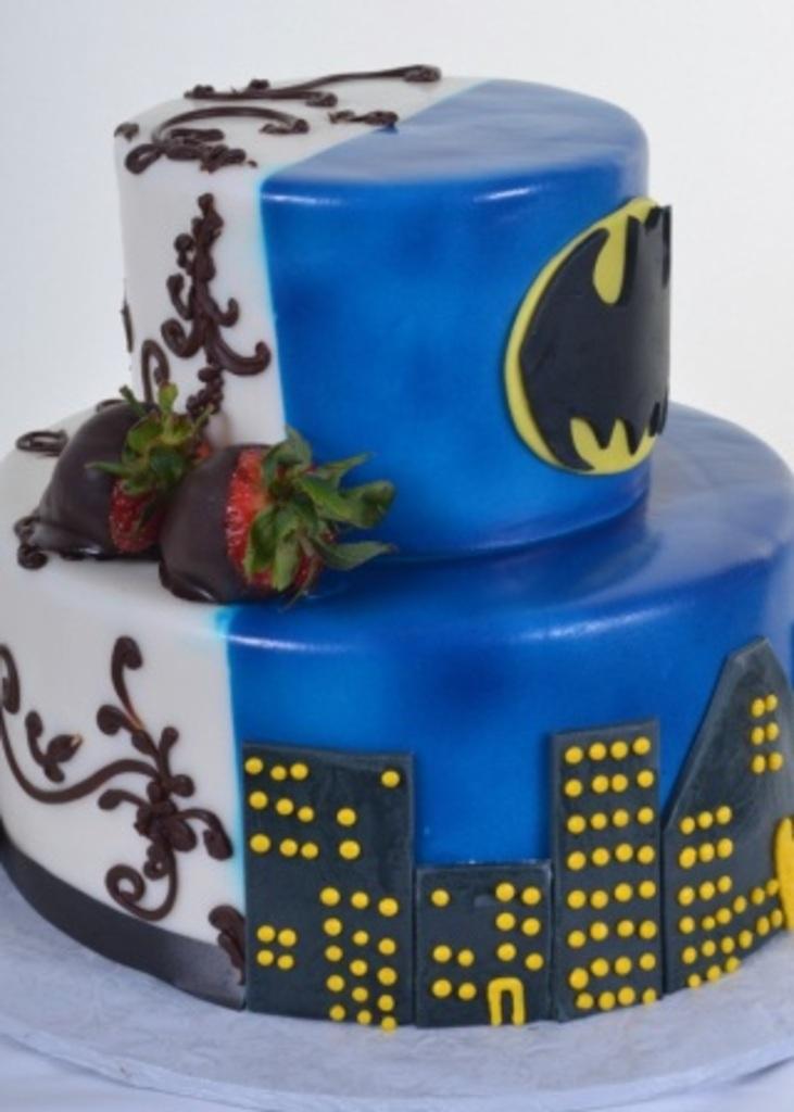 Pastry Palace Cake #801 - Gotham City or Paradise?