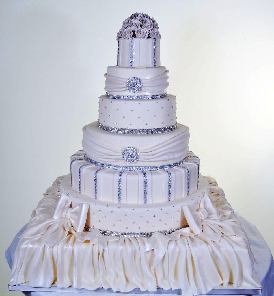 Diamonds & Drapes - Wedding Cake #702