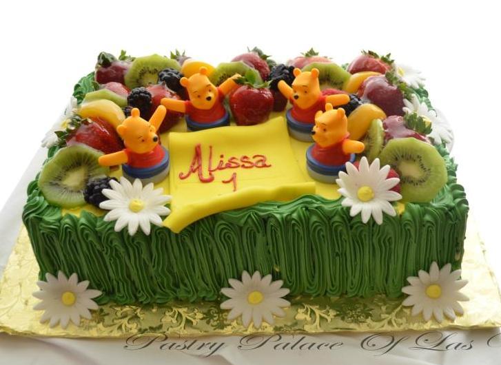 Winnie the Pooh Cake 1071