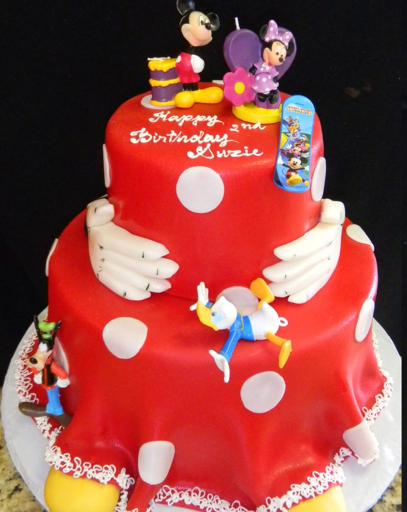 Disney Cake 765