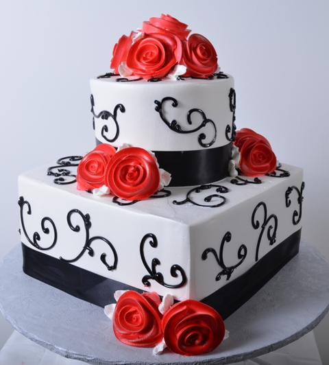 Pastry Palace Las Vegas - Cake 1313 - Scrolls & Red Roses
