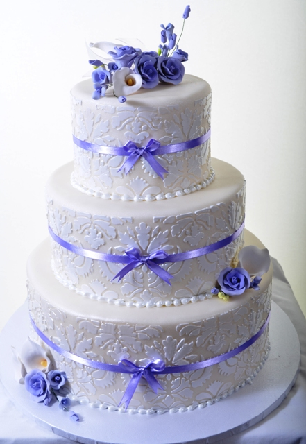 1317-White Damask with Lavender