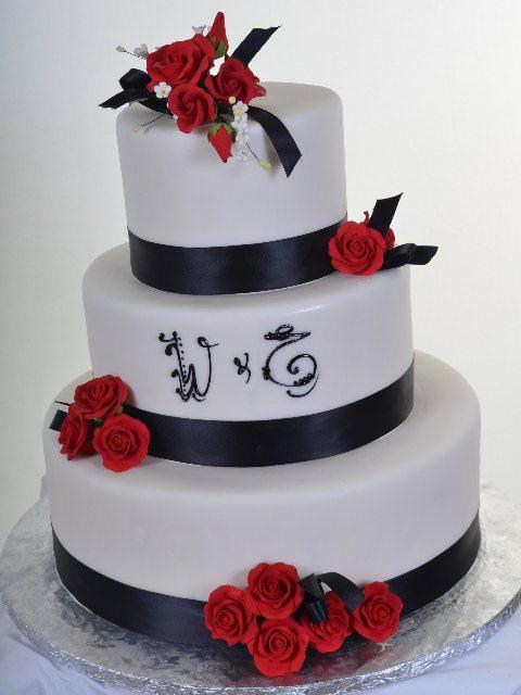 Pastry Palace Las Vegas - Cake 806 - Ring Around the Roses